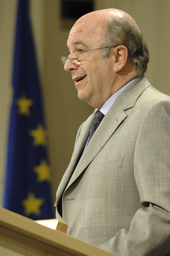 Press conference by Joaquín Almunia, Member of the EC, on the Stability and Growth Pact