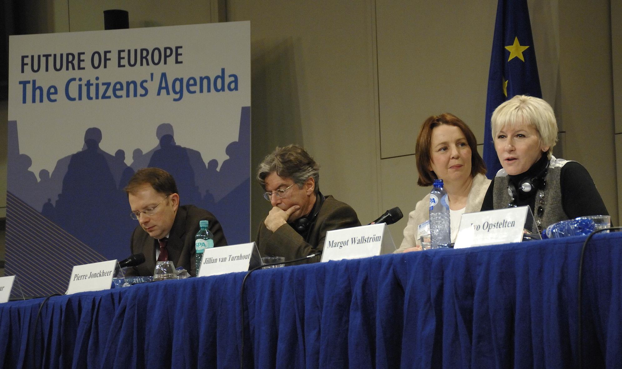 Participation de Margot Wallström, vice-présidente de la CE, à la session plénière de clôture du Plan D