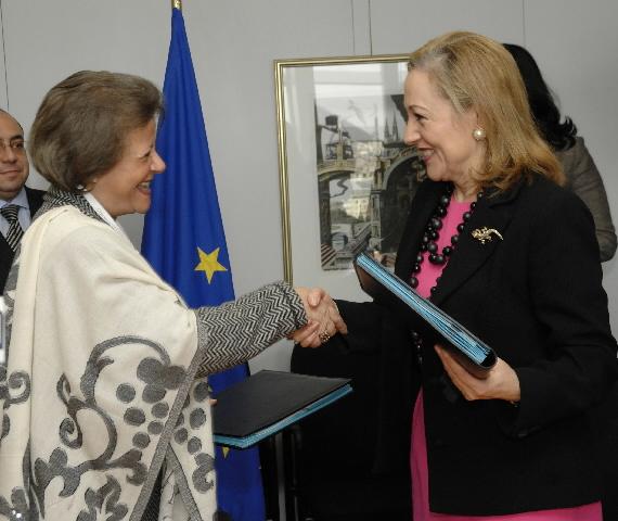 Signature d'un protocole d'accord entre l'Egypte et l'UE