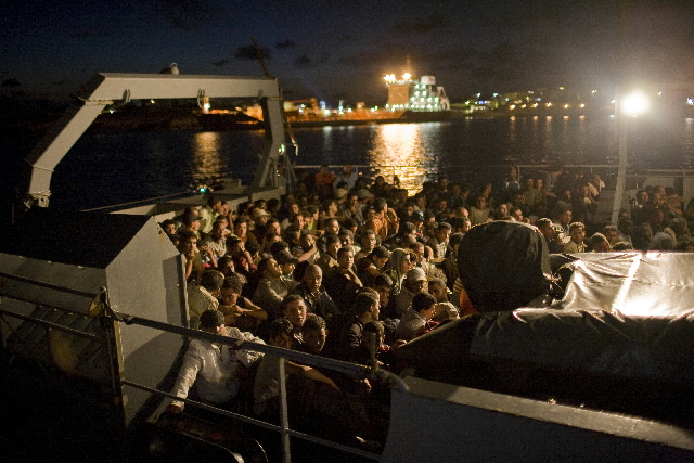 Immigration: Lampedusa