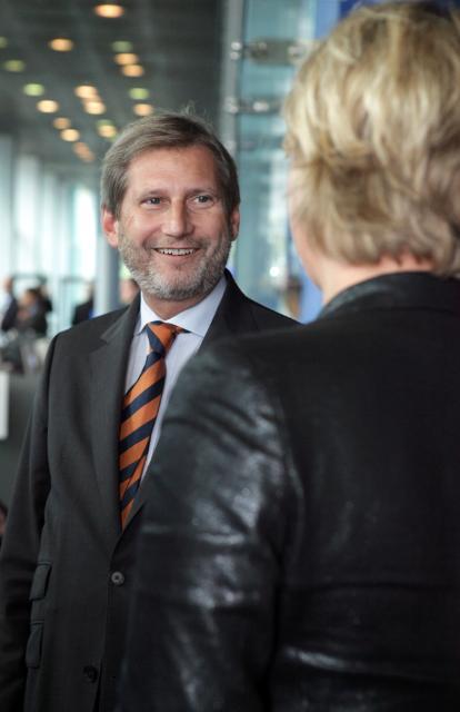Participation de Johannes Hahn, membre de la CE, à la conférence sur la politique de cohésion et remise de la déclaration commune signée par les présidents de régions