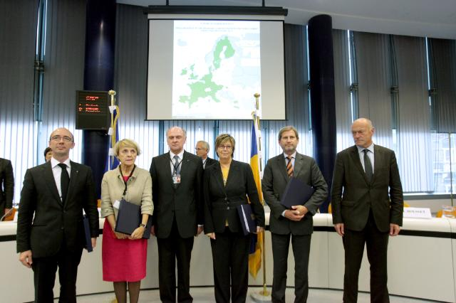 Participation of Johannes Hahn, Member of the EC, at the conference on the cohesion policy and the delivery of the joint declaration signed the Presidents of the Regions