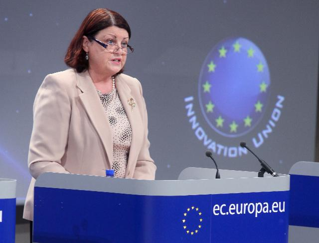 Press conference by Máire Geoghegan-Quinn, Member of the EC, on the green paper on the common framework for research and innovation funding