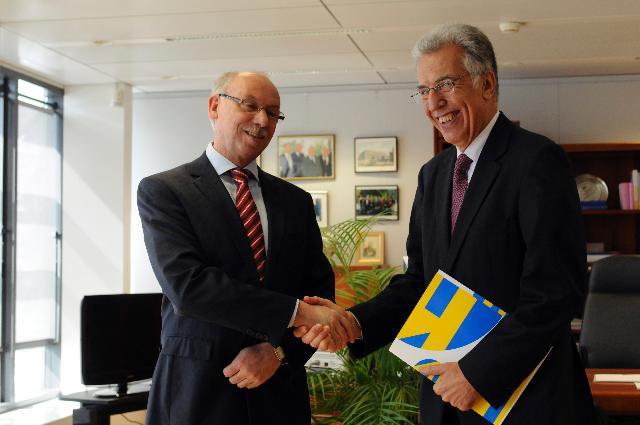 Visite de P. Nikiforos Diamandouros, médiateur européen, à la CE
