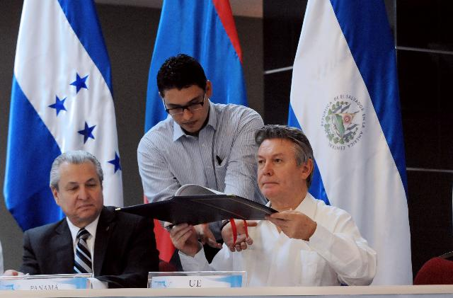 Visit of Karel De Gucht, Member of the EC, to Honduras