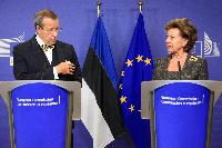 Joint press conference by Neelie Kroes, Vice-President of the EC, and Toomas Hendrik Ilves, President of Estonia and Chair of the Steering Board of the European Cloud Partnership
