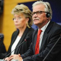 Joint press conference by Viviane Reding, Vice-President of the EC, and Tadeusz Zwiefka, Member of the EP, on jurisdiction, recognition and enforcement of judgements in civil and commercial matters