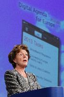 Press conference by Neelie Kroes, Vice-President of the EC, on the Digital Agenda mid-term review