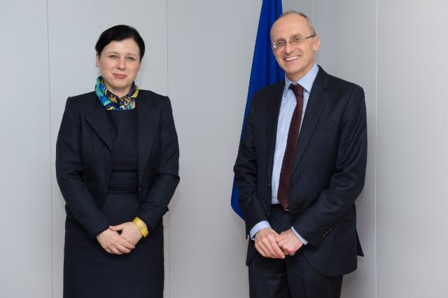 "Illustration of ""Vĕra Jourová receives Andrea Enria, Chairman of the European Banking Authority (EBA)"""