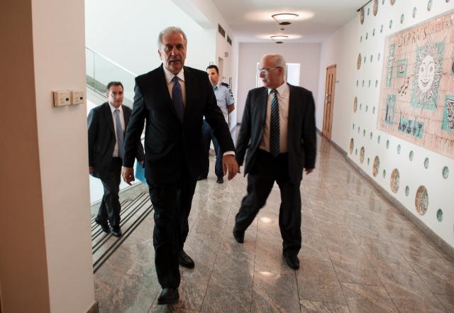 Visite de Dimitris Avramopoulos, membre de la CE, à Chypre