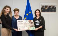 Presentation of the petition #EUAidSavesLives to Kristalina Georgieva, Vice-President of the EC, by two representatives of the ONE campaign