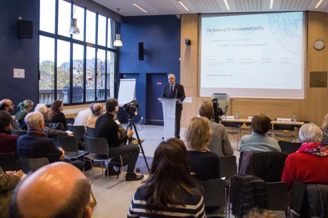 Visite de Neven Mimica, membre de la CE, à Paris