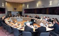 Tibor Navracsics, membre de la CE, participe à la table ronde de l'association des festivals européens.