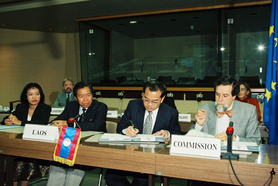 Initialling of a EC-Laos cooperation agreement