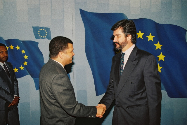 Visit of Carlos Veiga, Cape Verdean Prime Minister, to the CEC