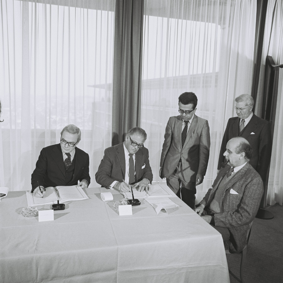 Signing of an agreement EURATOM/Canada on the enrichment, handling and storage of nuclear materials