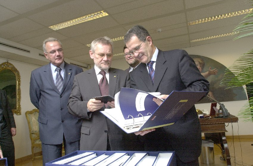 Visit of Ivica Račan, Croatian Prime Minister, to the EC