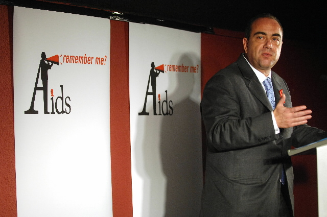Markos Kyprianou, Member of the EC at the AIDS- Remember me? night
