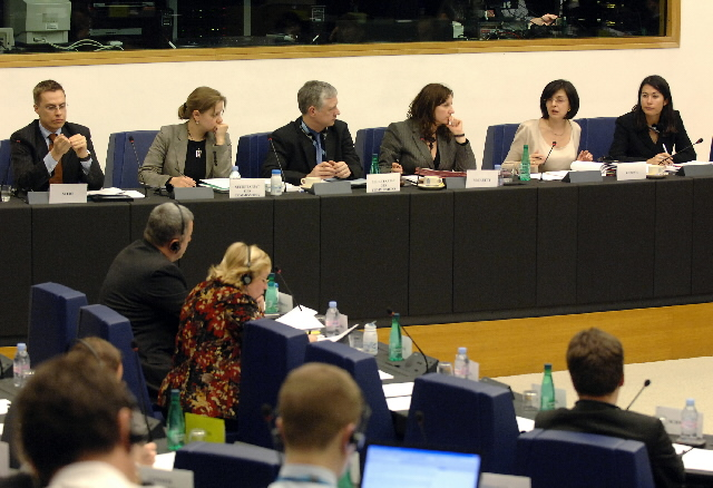 Presentation to the Ep by Meglena Kuneva, Member of the EC, of the new Consumer Strategy