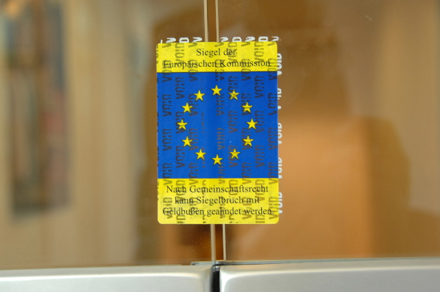 Special seals used by DG Competition of the EC during surprise inspections