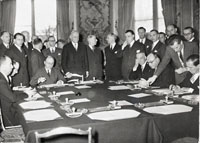 Signing of the Treaty establishing the ECSC