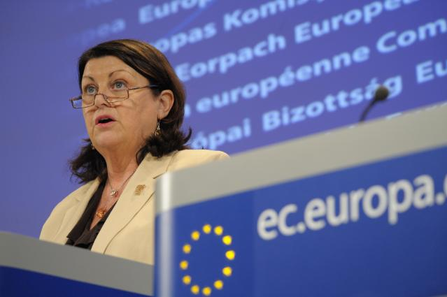 Press conference by Máire Geoghegan-Quinn, Member of the EC, on simplifying the procedures for taking part in EU-funded research projects