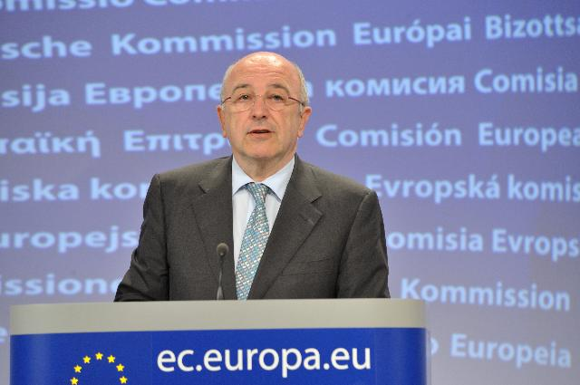 Press conference by Joaquín Almunia, Vice-President of the EC, on a cartel case resolved through a settlement between leading European producers of washing powder and other laundry detergents
