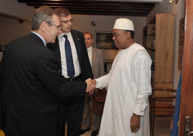 Visit by Andris Piebalgs, Member of the EC, to Guinea