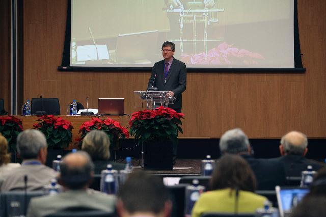 Participation de László Andor, membre de la CE, à la conférence de clôture de l'Année européenne 2012 du vieillissement actif et de la solidarité intergénérationnelle