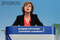 Conférence de presse de Connie Hedegaard, membre de la CE, sur le programme de financement dénommé