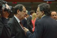 Discussion between Nicos Anastasiades, President of Cyprus, and José Manuel Barroso (in the foreground, from left to right)