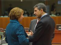 Discussion between Rosen Plevneliev, President of Bulgaria, on the right, and Catherine Ashton