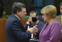 Discussion between Angela Merkel, German Federal Chancellor, and José Manuel Barroso (in the foreground, from right to left)