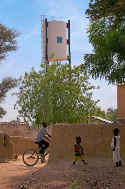 Donor Conference for development in Mali: glimpse of everyday life of Malians