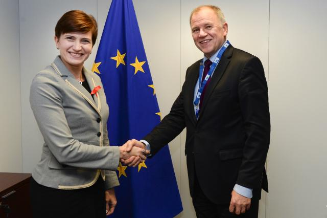 Visit of Susanna Huovinen, Finnish Minister for Health and Social Services, to the EC
