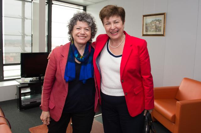 Kristalina Georgieva receives Vivien Schmidt, Professor of International Relations and Political Science at Boston University, Jean Monnet Chair of European Integration, and Founding Director of the Centre for the Study of Europe