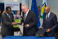 Signing ceremony of the Regional Indicative Programme with the regional organisations of West Africa under the 11th EDF, in the presence of Cheikh Hadjibou Soumaré, Neven Mimica and Kadré Désiré Ouedraogo (from left to right)