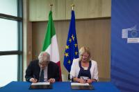 "Illustration of ""Signing ceremony of five Operational Programmes for Italy for growth and jobs in 2014-2020"""