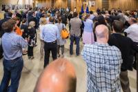 Minute de silence en hommage aux victimes des attentats en Espagne