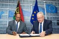 Visit of Charlot Salwai, Vanuatuan Prime Minister, to the EC