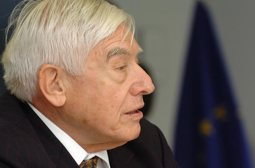 Visit by Christian Schwarz-Schilling, EU Special Representative in Bosnia and Herzegovina, to the EC