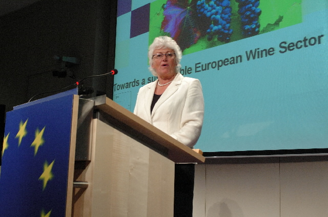Press conference by Mariann Fischer Boel, Member of the EC, on the EU wine reform