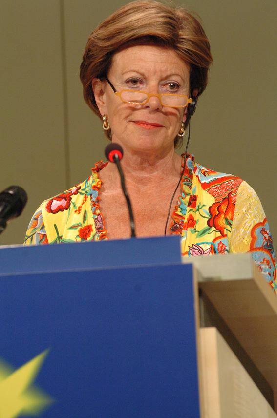 Press conference by Neelie Kroes, Member of the EC, on Microsoft's penalty payment