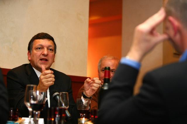 Participation de José Manuel Barroso au débat avec l'Association de journalistes économiques et financières