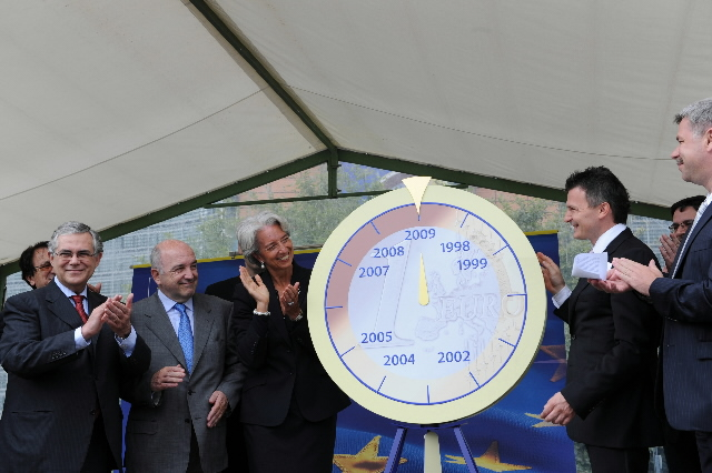 Participation of Joaquín Almunia and Ján Figel', Members of the EC, at the ceremony to celebrate the entry of Slovakia in the euro area