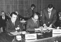 Signing of the Common Declaration by Roy Jenkins in presence of David Owen, on the left