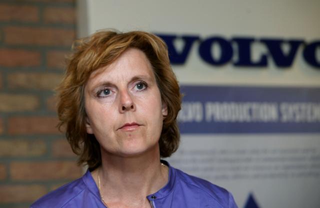 Connie Hedegaard, membre de la CE, en visite dans l'usine Volvo Europa Trucks, neutre en CO2, à Gand