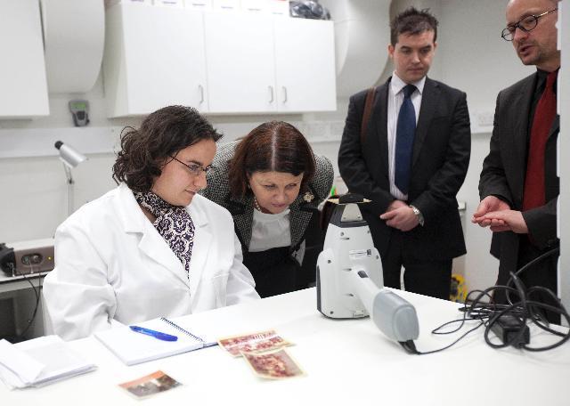 Visite de Máire Geoghegan-Quinn, membre de la CE, au Royaume-Uni