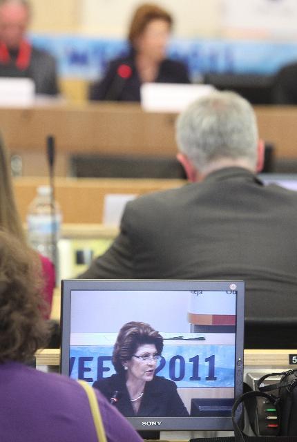 Participation d'Androulla Vassiliou, membre de la CE, au débat organisé au CoR dans le cadre de la Semaine européenne de la jeunesse 2011