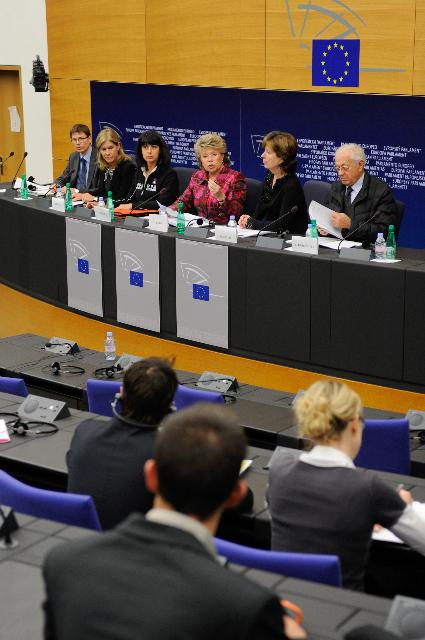 Press conference by Viviane Reding, Vice-President of the EC, on Justice funding programmes for the period 2014-2020